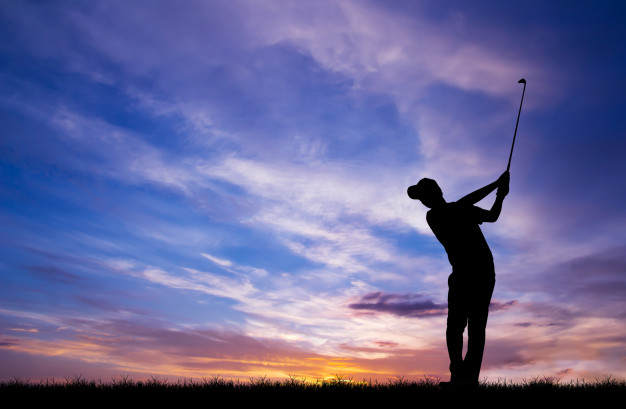 """featured image of blog titled """"How a Custom Golf Club Fitting can Lower Your Scores"""""""